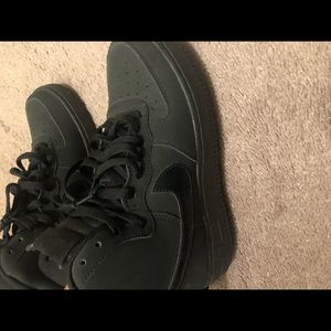 ALL BLACK NIKE UPTOWNS WORN ONCE